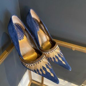 Aldo Leather Beaded Embroidered Pointed Navy Gold